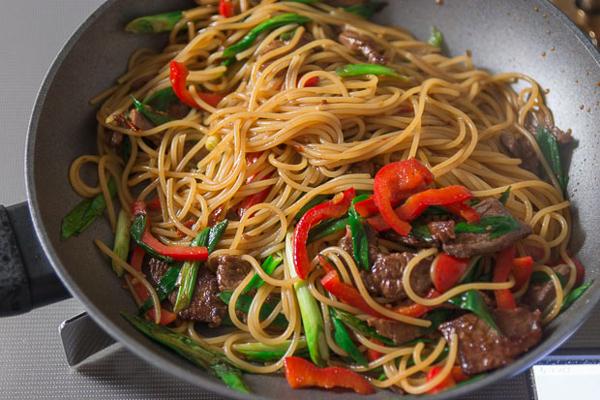 Stir-fry Beef Spaghetti