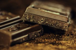dark chocolate improves mood